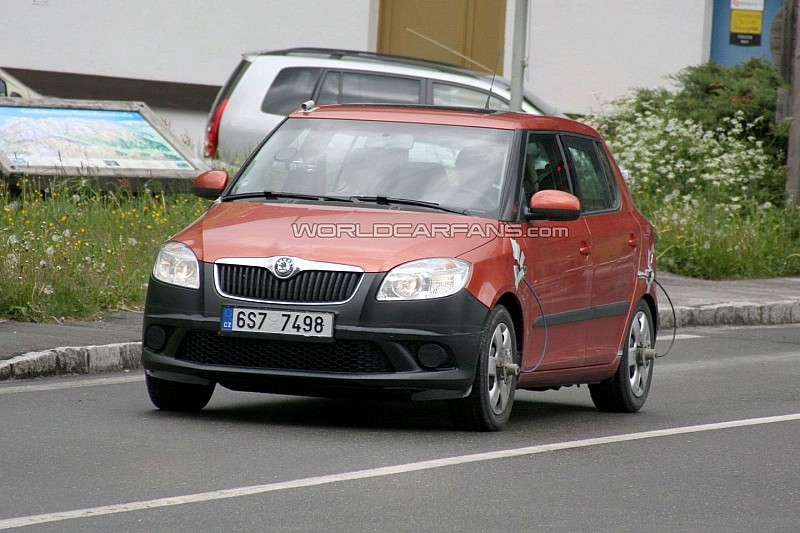 2010 Skoda Fabia Facelift First Spy Photos