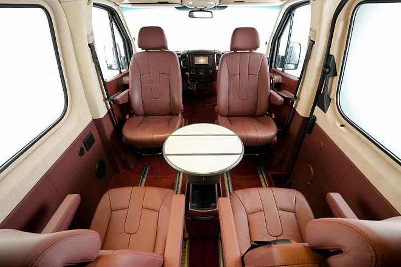 Hartmann Mercedes Sprinter - inspired by Airforce One