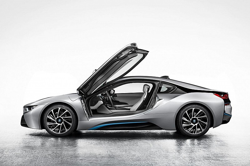 2014 BMW i8 first official photos emerge