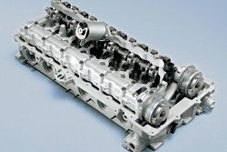 BMW cylinder head with VALVETRONIC