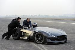 Peugeot EX1 concept setting EV performance records in China 16.12.2010