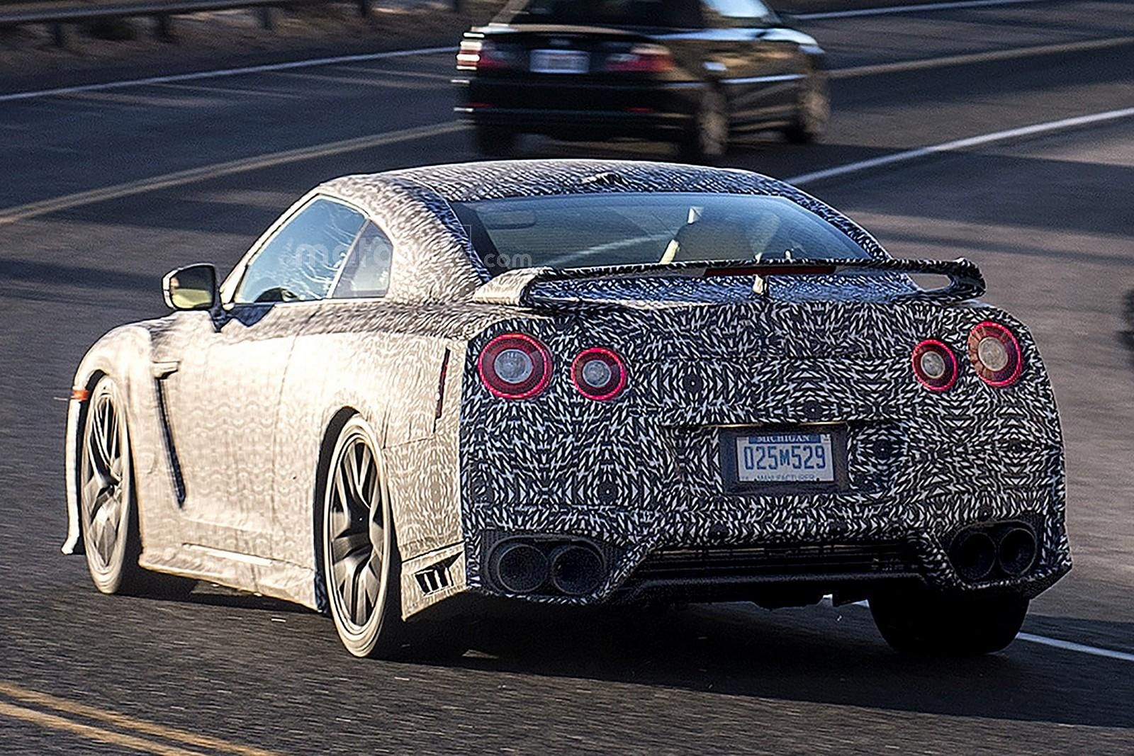 2007 - [Nissan] GT-R - Page 19 00