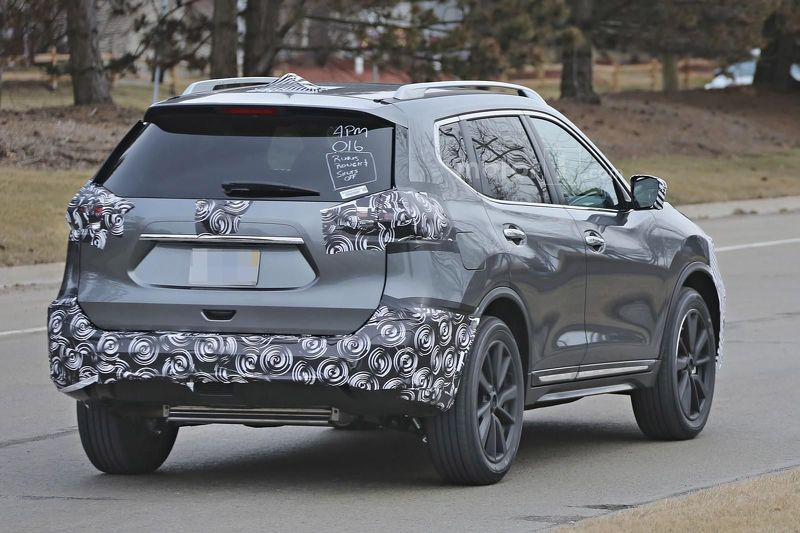 2017 nissan rogue facelift spied with a murano inspired grille. Black Bedroom Furniture Sets. Home Design Ideas